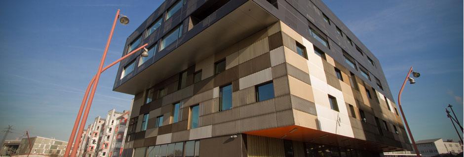 Panel de fachada metalica