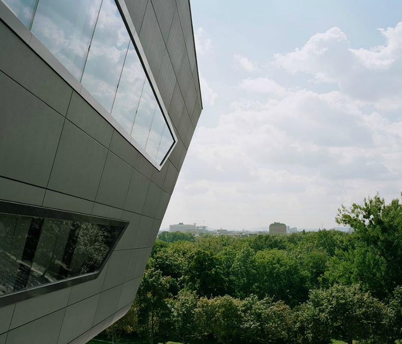 Biblioteca en Vienna por Zaha Hadid