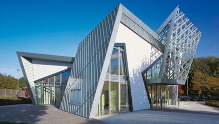 Rheinzink oficinas con fachada de zinc