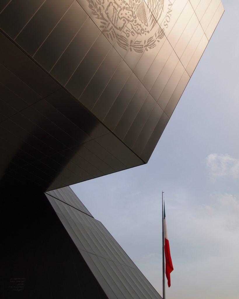 Monumento de zinc-Titanio México