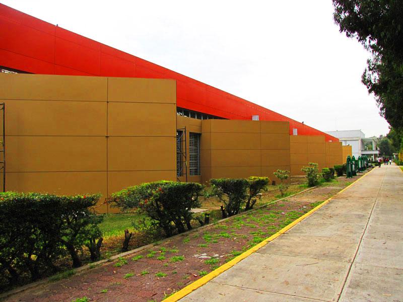 UNAM-Acatlan-Fundermax-revestimiento