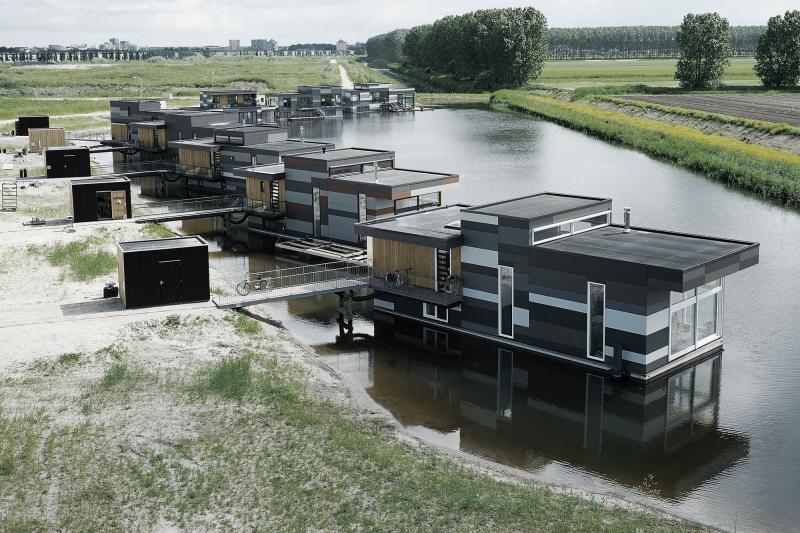 5_casas flotantes con fachada ventilada Equitone