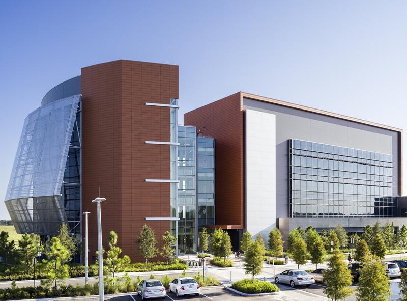 Edificio de la universidad de florida conjunci n de for Universidades que ofrecen arquitectura